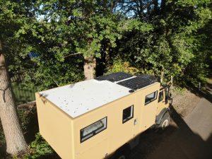 Unimog stroom solar 230V 24V expedition